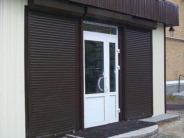 защитные ролеты на дверь